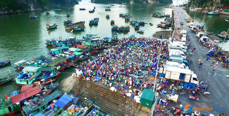 local market Halong Bay