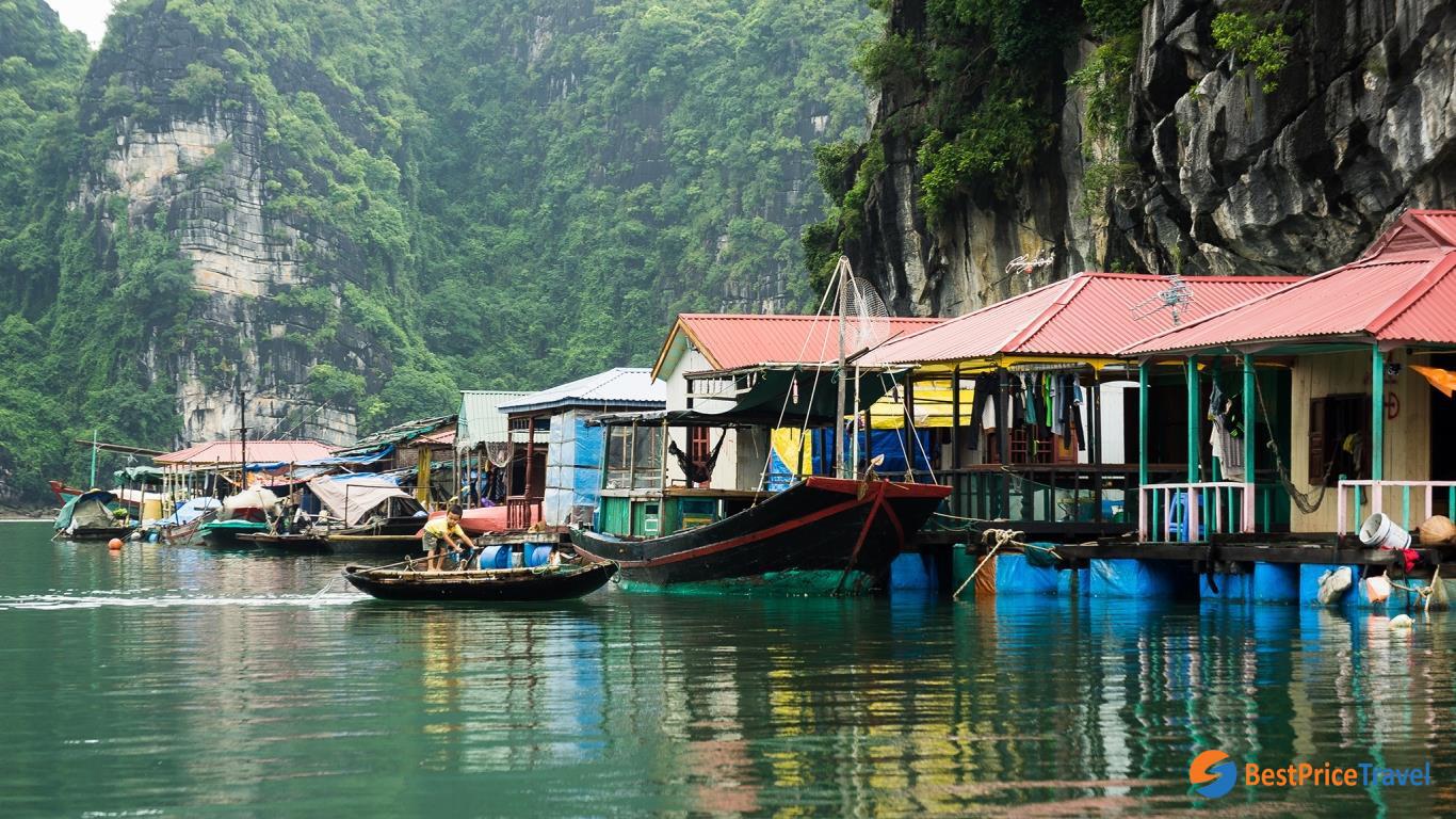 floating village Halong Bay