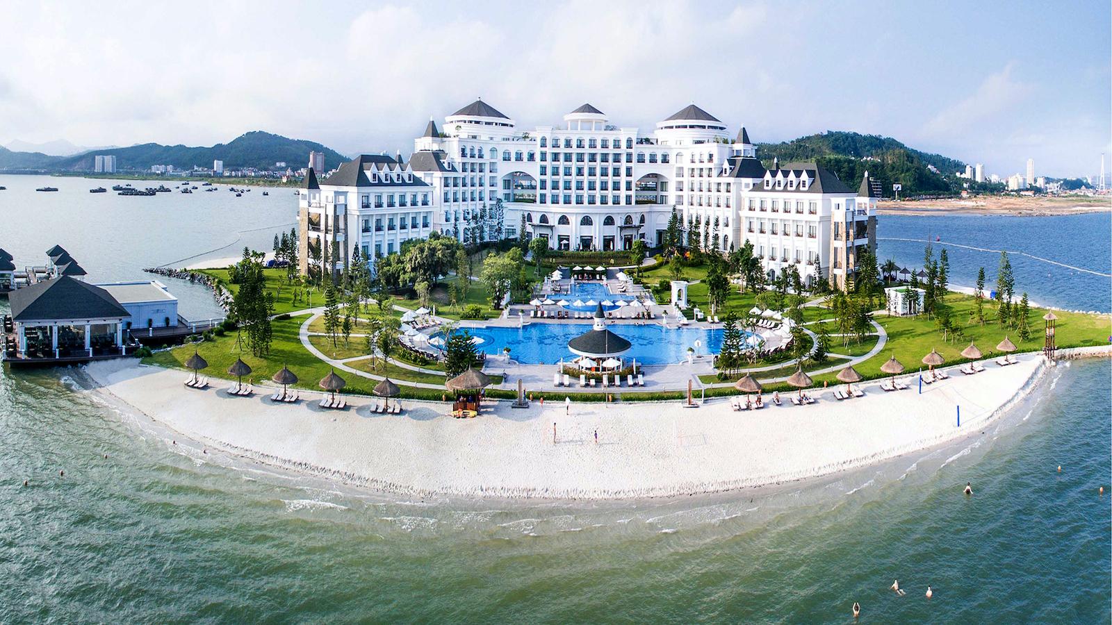 Vinpearl resort and spa Halong Bay