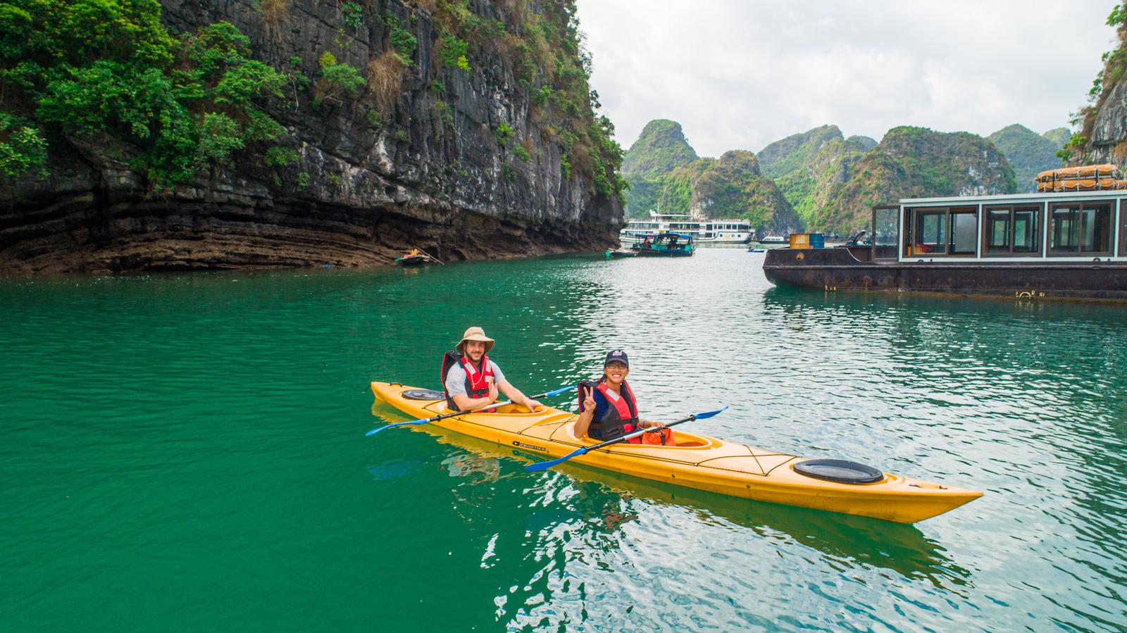 Lan Ha Bay kayaking tips