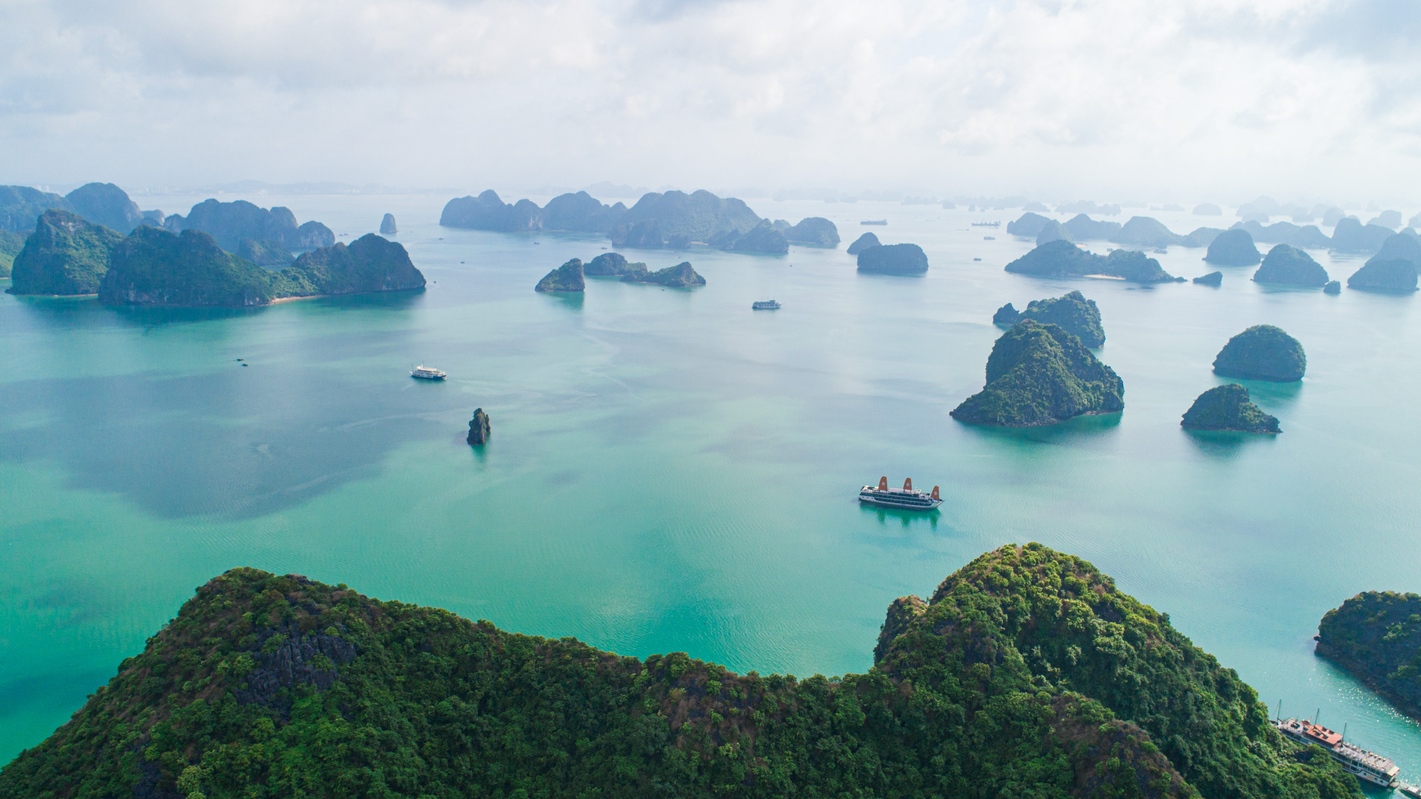 Kayak in Ba Trai Dao Islet Lan Ha Bay