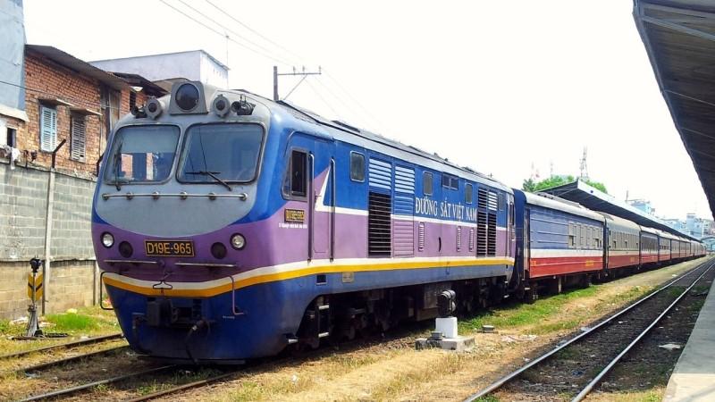 Hanoi to Halong Bay train