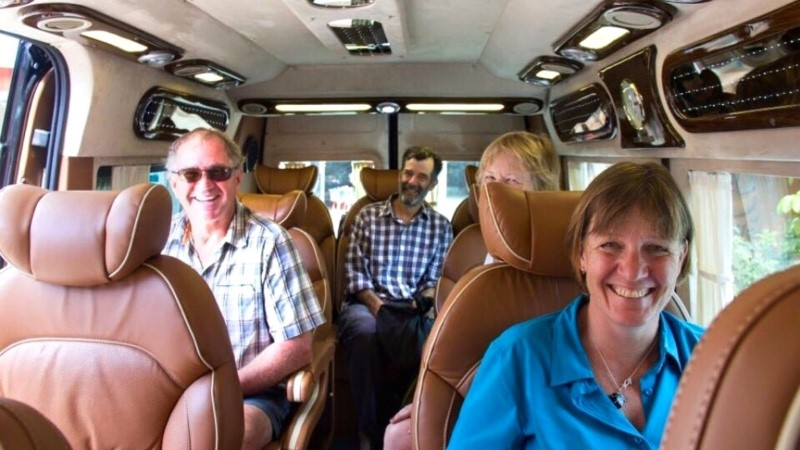 Luxury bus is best for the elderly to transfer from Hanoi to Halong Bay