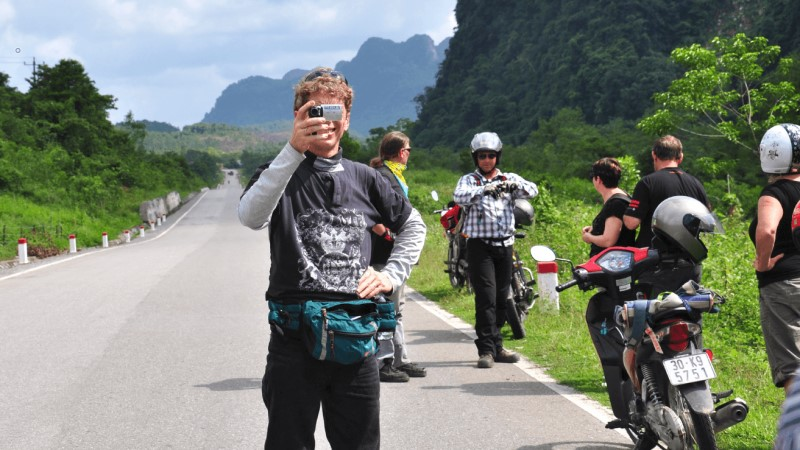 Travel to Halong from Hanoi by motorbike
