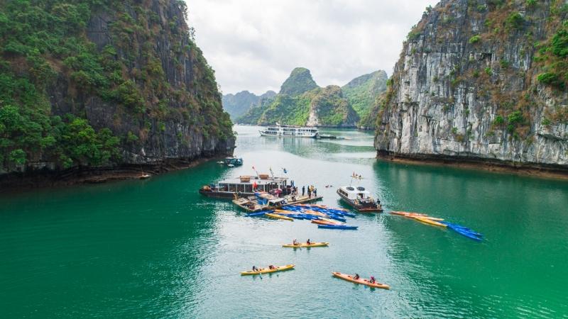 Kayaking in Dragon Eye Island Halong Bay