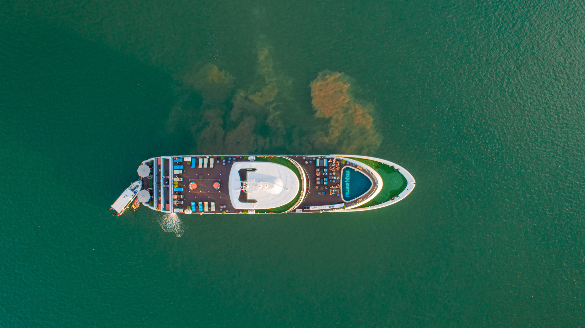 Luxury Cruise in Halong view from above