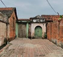 Duong Lam Alley