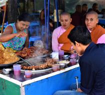 Street Food Yangon1
