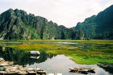 Ninh Binh: Hoa Lu - Van Long Nature Reserve Day Trip