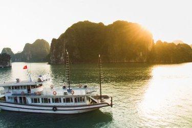 Halong Sen Cruise Day trip