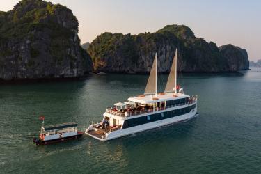Jade Sails Luxury Cruise Full Day