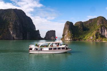 Estella Premium Cruise Day trip