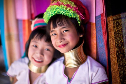 Discover Tribal Villages & Artisans Experience full day