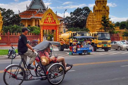Phnom Penh Full Day City Tour by Cyclo