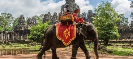 Ride elephant in Angkor Wat