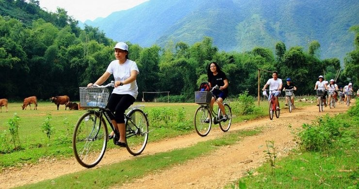 Biking in Mai Chau